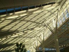 国際線ターミナルの天井