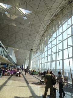 香港で乗り換え